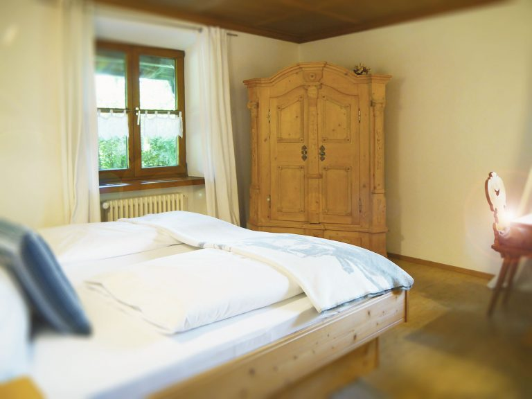 Schlafzimmer Ferienwohnung Löwenzahn Haus Sonneck Pfronten